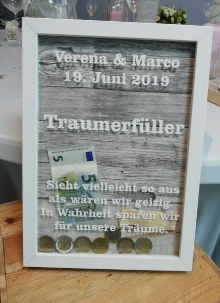 Traumerfüller personalisierte Spardose als Holzrahmen